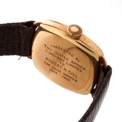 Vertex, une montre bracelet en or 9ct du milieu du 20e siècle, référence 12400, …