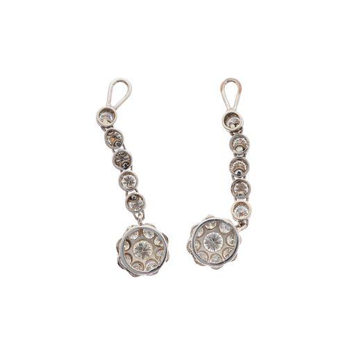 Paire de composants de boucles d'oreilles pendantes en grappe de diamants taillé…