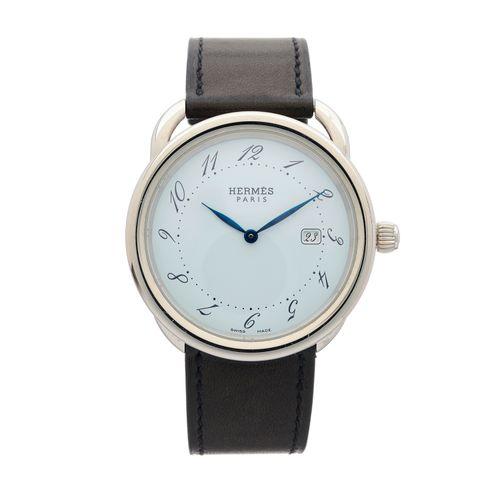 爱马仕,一款不锈钢Arceau腕表,编号AR5.710,带签名的石英机芯,序列号2499259,38毫米(不包括表冠),配有带签名的黑色皮表带和不锈钢针扣,盒子…