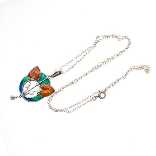 William Hair Haseler pour Liberty & Co, un pendentif Arts & Crafts en argent, ém…