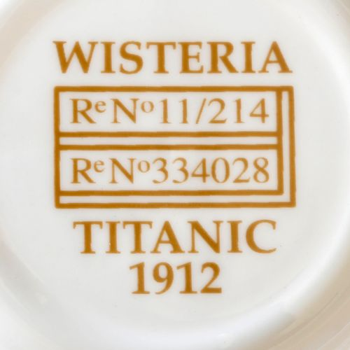 "Replicas of the ship's porcelain of the ""Titanic"", design around 1912, ,shaping …"