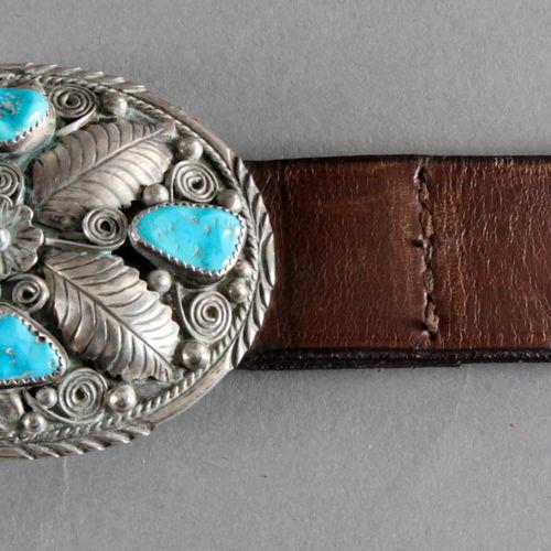 Indianische Gürtelschnalle aus Silber mit Türkisbesatz, 20. Jh., ,ovale Schnalle…