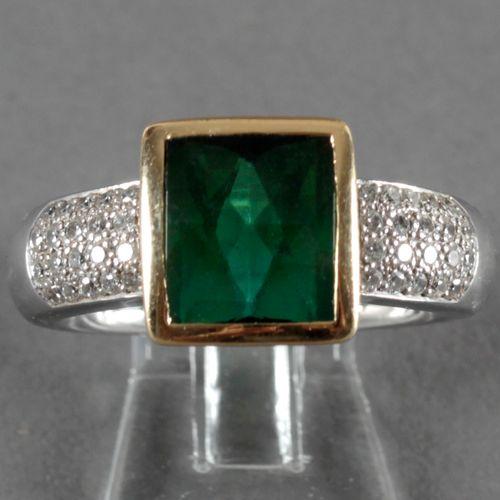 Turmalin Brillant Ring, 750er GG und WG, ,Turmalin in kräftig grüner Farbe (10 x…