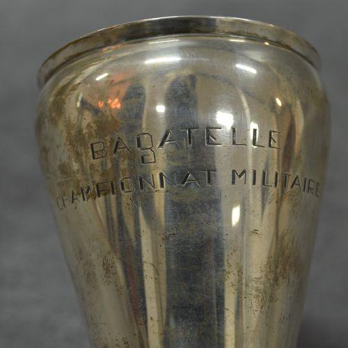 """Coupe Coupe """"Bagatelle championnat militaire """". Socle bois. Métal argenté. Dimen…"""