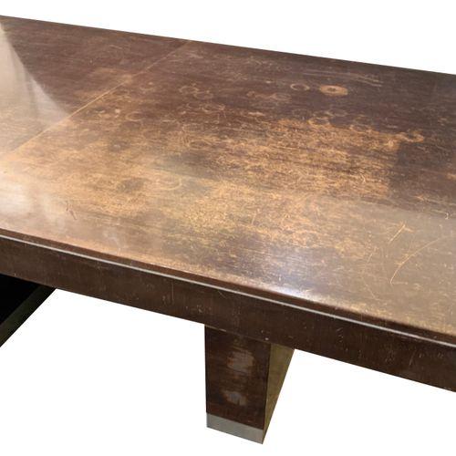 Michel Dufet Attribuée à Michel DUFET (1888 1985). Table de salle à manger. Anné…