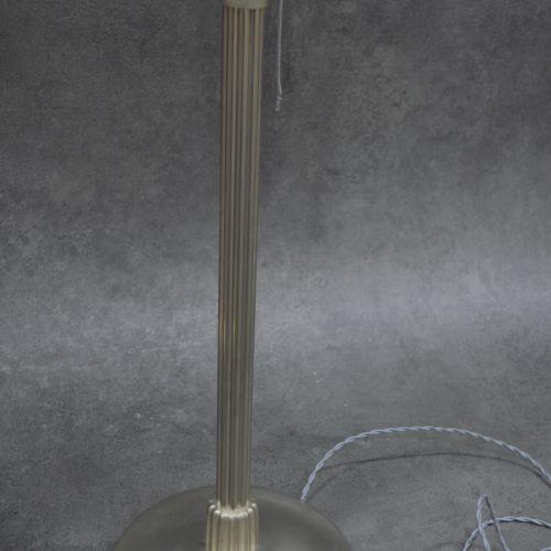 Paul Fargette Charmante paire de lampe Signées PAUL FARGETTE . Fut canelé reposa…