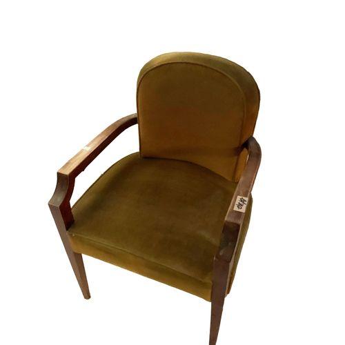 Fauteuils Paire de fauteuils. Velours vert. Accoudoirs bois. Restauration à prév…
