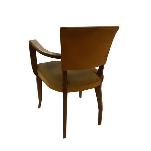 Fauteuils Paire de fauteuils . Accoudoirs bois arrondis. Velours vert. Restaurat…