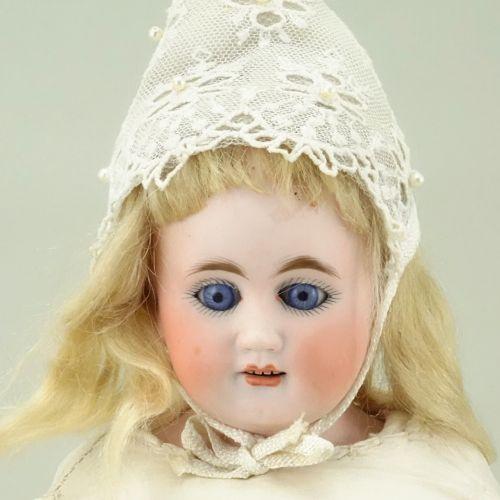 Bahr & Proschild 3095 bisque shoulder head doll, German circa 1910, Bahr & Prosc…