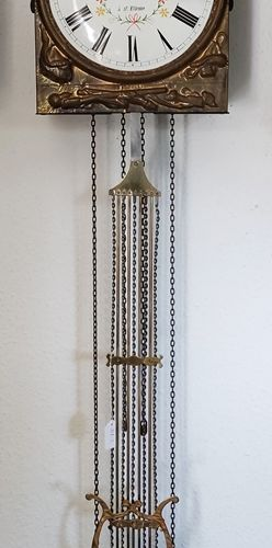 孔泰斯钟/摆钟/勃艮第钟,珐琅表盘上有罗马数字,华丽的铜板上有狗和孩子,表盘上标有Louis Jacquin à St Etienne,20世纪,47x27x1…