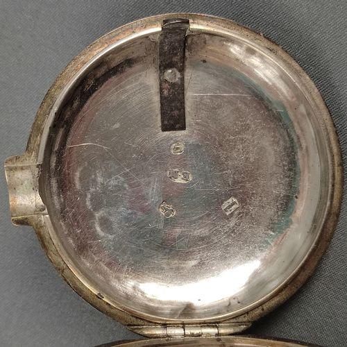"""钥匙表,珐琅表盘上有罗马数字,纯银表壳,伯明翰,乔治三世,1809年,制造商标记 """"E.M"""",机芯签署 """"Pelson """"和253号,开始,直径4.3厘米,完整…"""