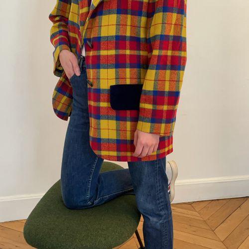 YVES SAINT LAURENT variation  Veste blazer en laine, motifs à carreaux et velour…