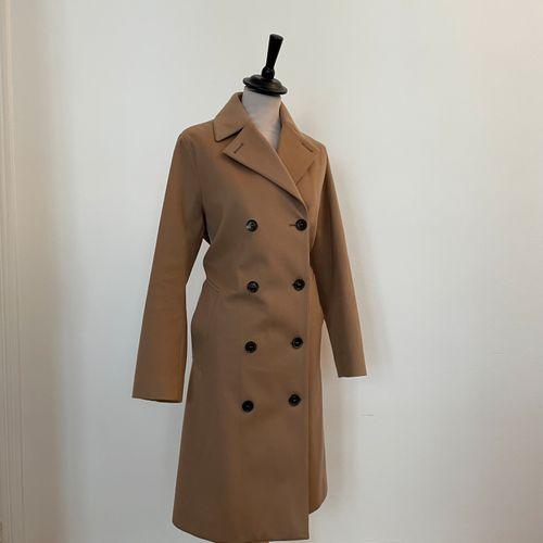 MACKINTOSH  Trench coat en laine beige.  T. 36  Largeur aux épaules 39 cm , long…