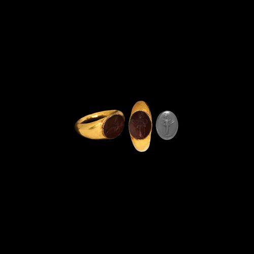 Bague romaine en or avec Salus. 1er 2e siècle de notre ère. Bague en or de forme…