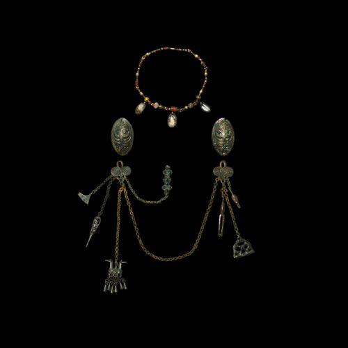 Ensemble broche et collier de tortue viking scandinave. 9e 11e siècle de notre è…