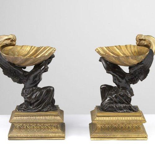 FRANCE, PERIOD OF THE EMPIRE FRANCE, PÉRIODE DE L'EMPIRE Paire d'étagères en bro…