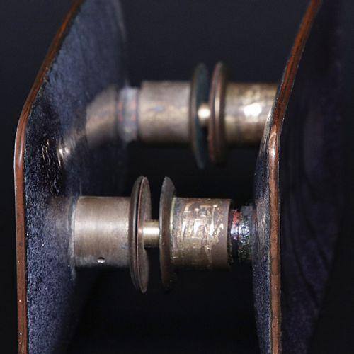 DE POLI PAOLO (1905 1996) PAOLO一对手柄.铜与多色珐琅彩。Cm 11.00 x 25.00 x 9.00. 1950年代。