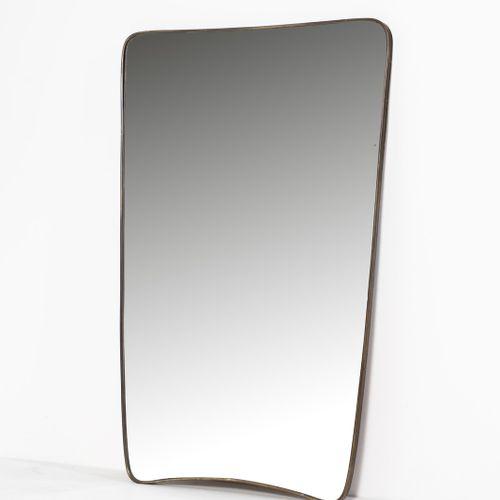 Manifattura Italiana MANIFATTURA ITALIANA 镜子。黄铜和镜子。长75,00 x 116,00. 1950年代。