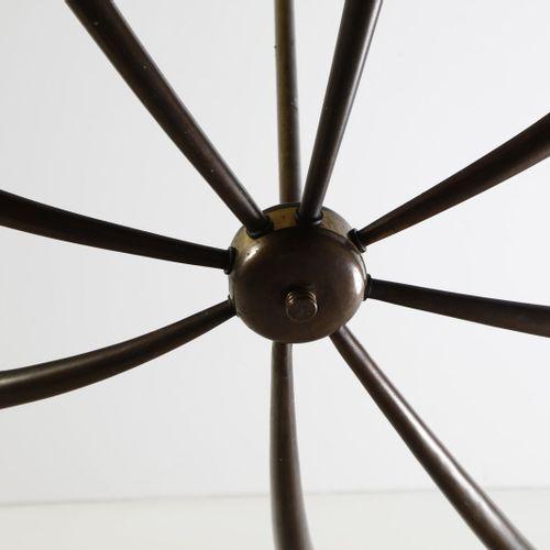 TORLASCO OSCAR (1934 2004) OSCAR归属。Lumi Milano的吊灯。黄铜。Cm 90.00 x 100.00 x 62.00. …