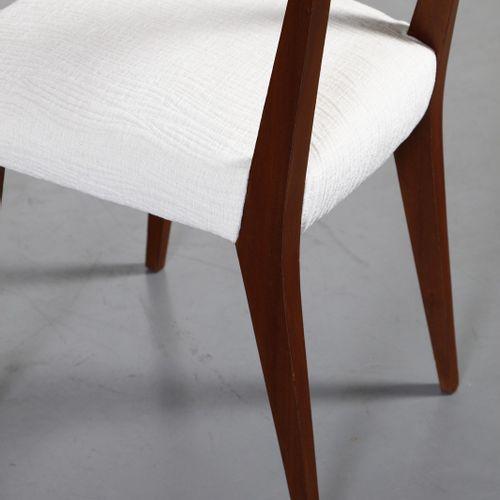 PONTI GIO (1891 1979) GIO attribué. Paire de chaises. Bois et tissu rembourré. C…