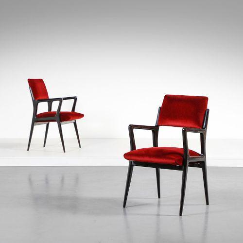 Manifattura Italiana MANIFATTURA ITALIANA Paire de petits fauteuils. Bois ébonis…