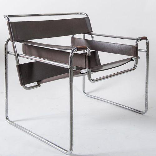 MARCEL BREUER 金属和皮革椅子模型B3 Wassily.原始商标。意大利Gavina公司制造,约1960年。Cm 78x64x73。