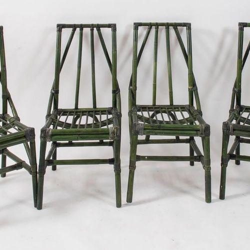 四把竹子和几内亚藤条的椅子,用皮革包扎。意大利制造,约1970年。每个94x45x42厘米。