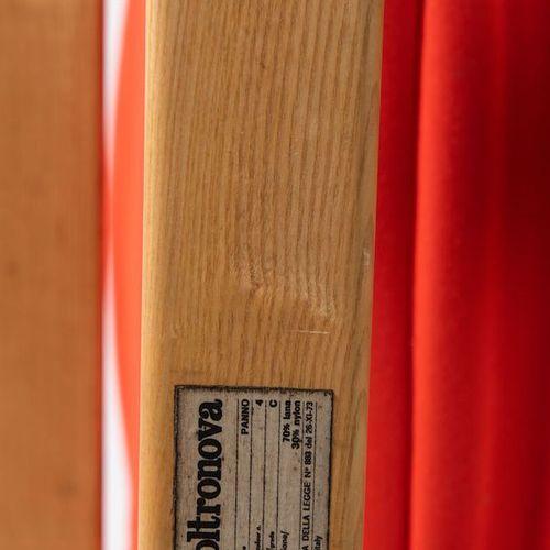 DE PAS, D'URBINO & LOMAZZI Fauteuil en bois multicouche courbé et tissu ; modèle…