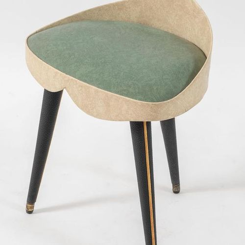 UMBERTO MASCAGNI, attr.覆盖在皮革上的木凳。由Umberto Mascagni Att.制造,意大利,约1950年。Cm 49x43x31…