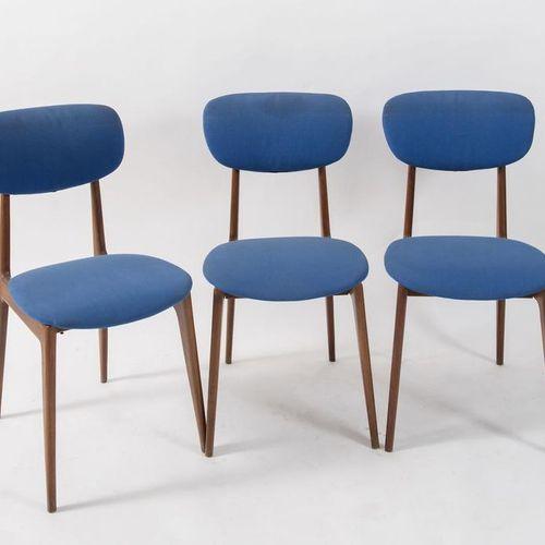 六把木质椅子,带织物座椅。意大利制造,约1960年。每个84x42x48厘米。