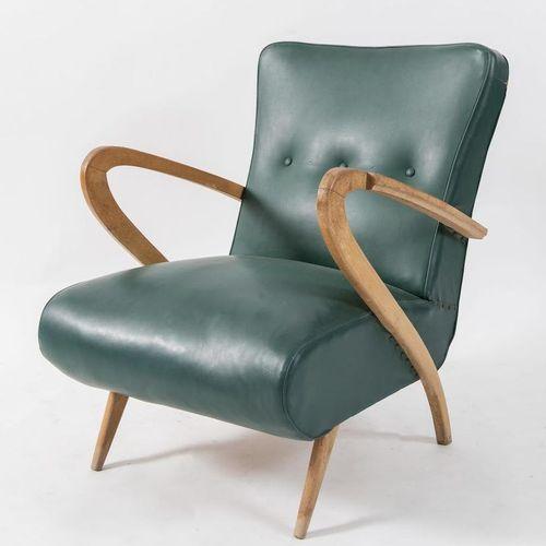 GUGLIELMO ULRICH, attr.木制扶手椅上覆盖着皮革。意大利制造,约1950年。Cm 80x60x70。