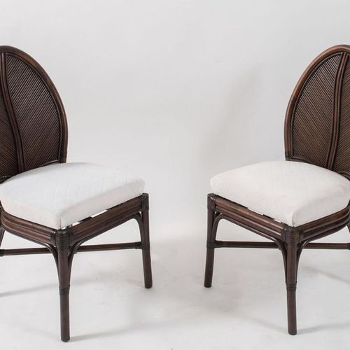 VIVAI DEL SUD, attr.一对弯曲的竹子和几内亚藤条及织物的椅子。在意大利生产,约1970年。每个尺寸为97x45x45厘米。