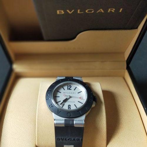 BULGARI  Ref. AL 38 TA. No. L 40388.  Montre bracelet en aluminium. Lunette grav…