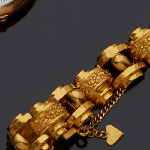 Bracelet en or jaune 24K style «Tank» à maillons ajourés et maillons ciselés d…