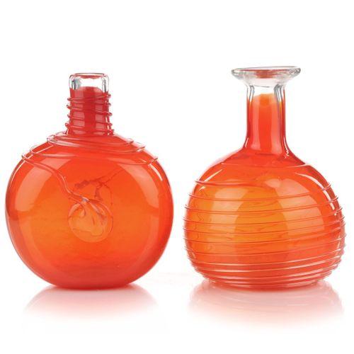 Deux vases en forme de bouteille. Volkhard Precht, Lauscha. 1976. Volkhard Prech…