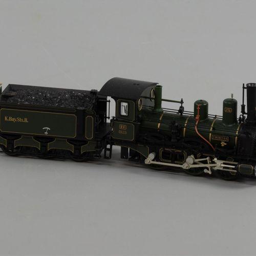Une locomotive Märklin, König Ludwig Zug, 'Tristan' du K.Bay.St.B., dans un emba…