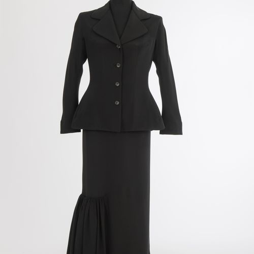 Kostüm Yoshi Yamamoto Costume Yoshi Yamamoto, Tokyo/Paris Soie, noir, veste ajus…