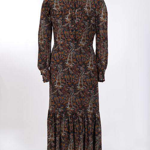 Kleid im BOHO Stil Yves Saint Laurent Robe style BOHO Yves Saint Laurent, Paris …