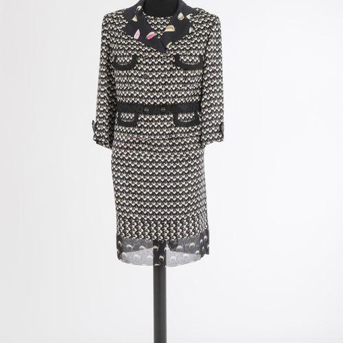 ENSEMBLE Ensemble, trois pièces, jupe, haut et veste Louis Vuitton, Paris Soie, …