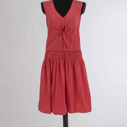 Zwei Sommerkleider Jil Sander Deux robes d'été Jil Sander, Hamburg Coton, rouge …