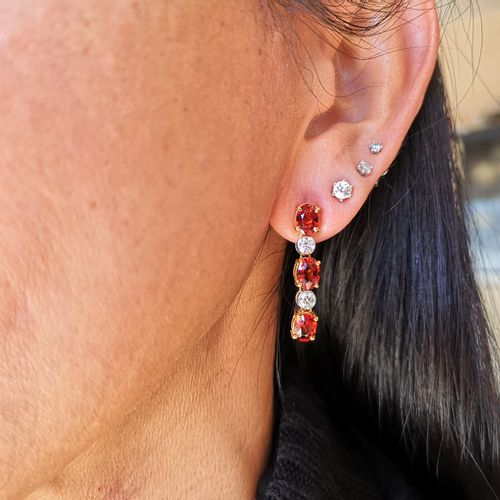 Boucles d'oreilles en or jaune et or gris Yellow and white gold earrings adorned…