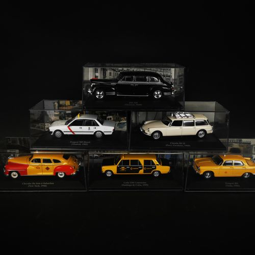 Lot of 6 cars including PEUGEOT 404 and 505, CITROEN ID 19 ...
