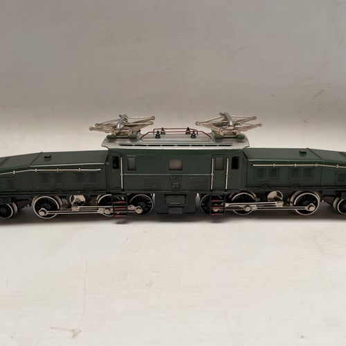 MARKLIN HO. Locomotive Crocodile pour train de marchandises lourd. Ref. 3015.