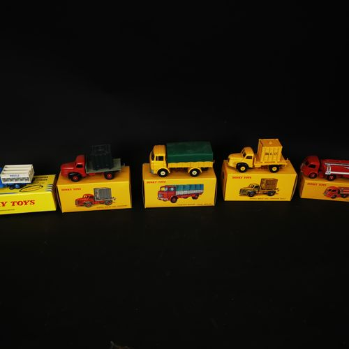 DINKI TOYS lot of 5 trucks (truck and container berliet, milk truck CITROEN ... …