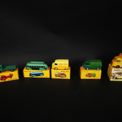 DINKI TOYS lot of 5 trucks (CITROEN valve and Philip, FORD brewery tray...) made…