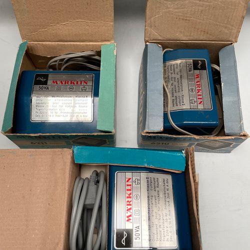MARKLIN. 3 transformateurs. 6211 (x2) 6210. Boites.