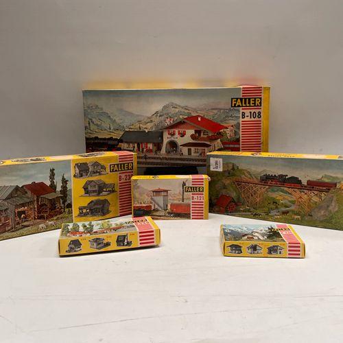 FALLER. 3 boxes B 531a, B 230, B 108 3 boxes B 234, B 135, B 121.