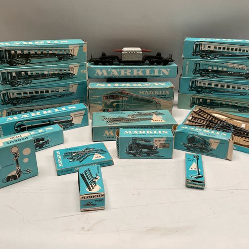MARKLIN cars, coaches, tracks: 20 boxes. 4056, 4064, 4057, 5214, 4630, 4516, 404…