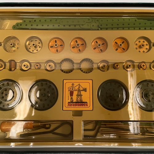 "MARKLIN. Set ""metall baukasten"" 1075. Edition of the 75 years of the mark. New c…"