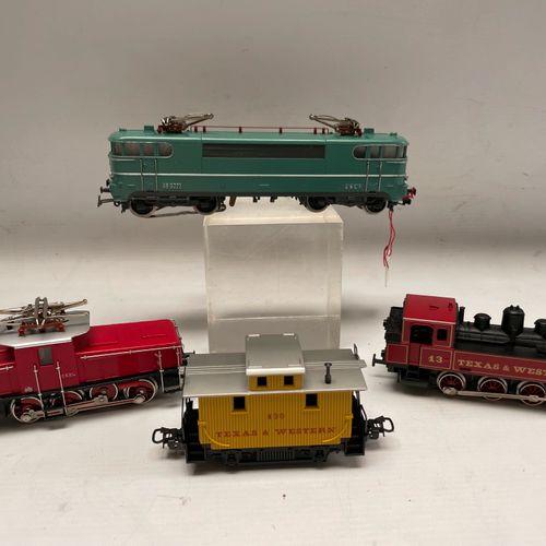 MARKLIN Motrice TEXAS & WESTERN Motrice E6304 Locomotive BB9223 Motrice TEXAS & …